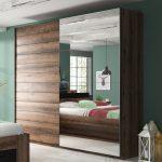 Jak wybrać szafę do sypialni?